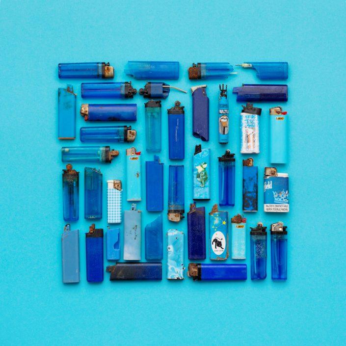 Blaue Feuerzeuge